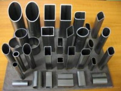 резка профильной трубы, алюминиевого профиля